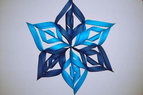 Объёмная снежинка из цветной бумаги