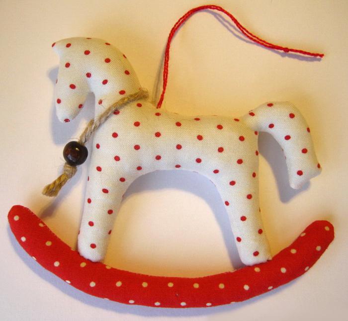 Новогодние игрушки лошадки своими руками