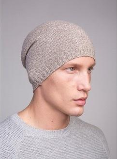 Вяжем модные мужские шапки спицами