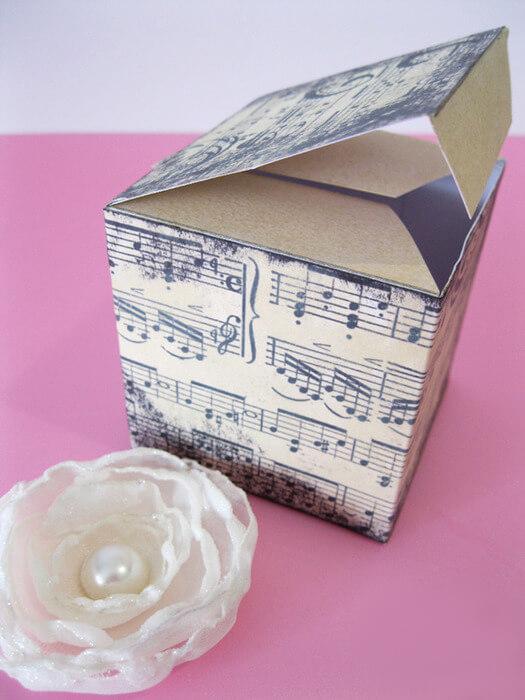 Квадратная коробочка