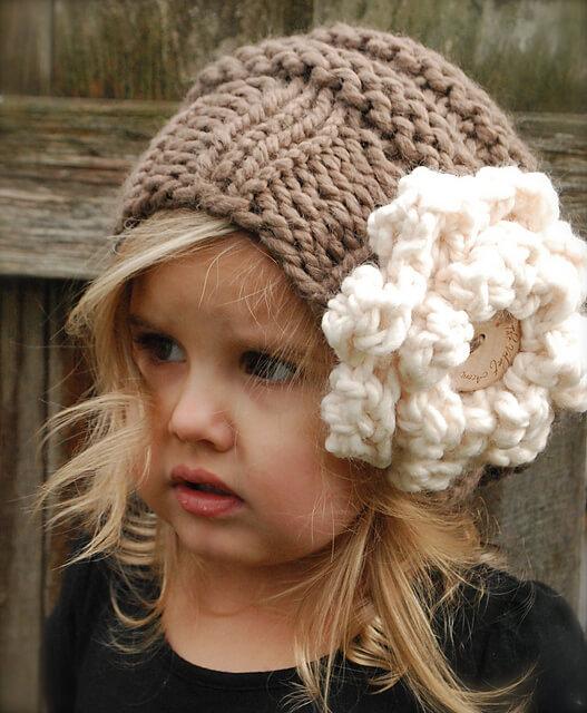 Винтажная шапка для девочки