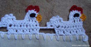 Петушки крючком на полотенцах