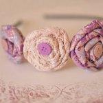 Ободок с цветами из фоамирана. Розы из скрученной ткани — супер!