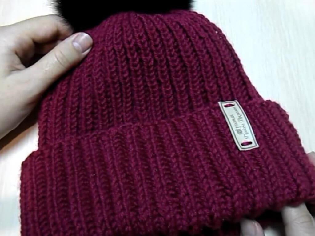 шапка бини английской резинкой спицами схема вязания