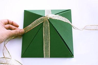 Новогодняя коробка для подарков
