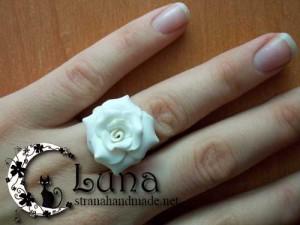 Кольцо с розой из полимерной глины