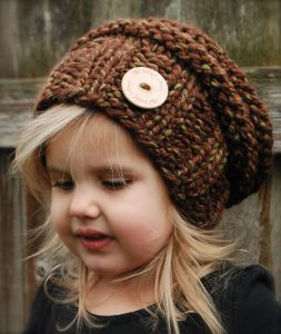 Виды детских шапочек и шарфов спицами