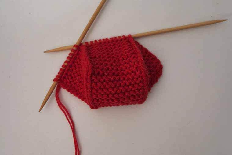 Тапочки без шва (пошагово)Вязание тапочек спицами с описанием