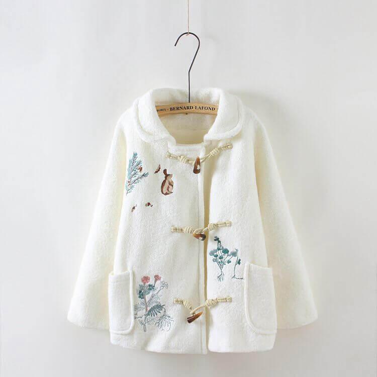 Пальто с вышивкой - фото и схемы