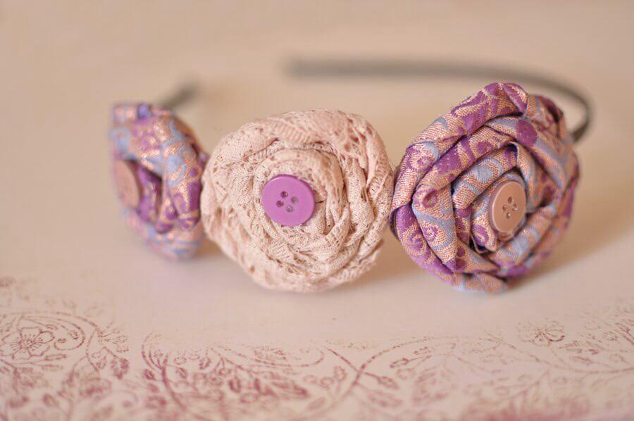 Ободок с цветами из фоамирана. Розы из скрученной ткани - супер!
