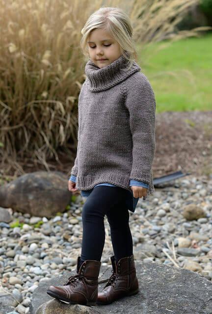 Серый свитер с удлинённой спинкой для девочки - мастер-класс
