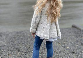 Восхитительные кофты спицами для девочек - 20 лучших схем с описанием